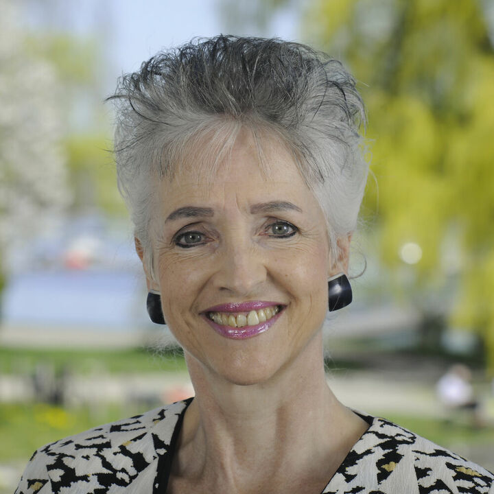 Carmen Walker Späh